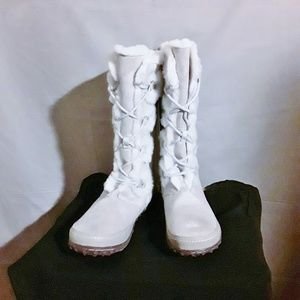 Bob Cat(Off White)Faux Fur lined winter snow boots